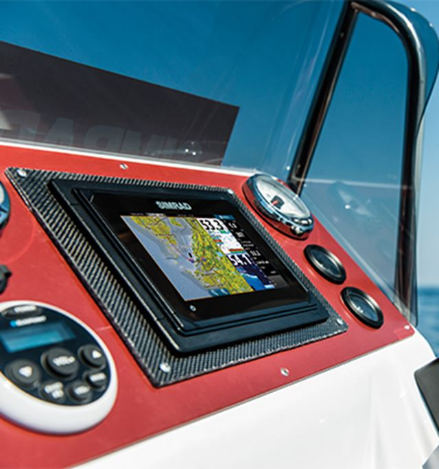 GO7 XSE With Insight Charts | Chartplotter / Fishfinder